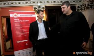 Изп. директор и треньор на ВК ЦСКА Александър Попов и волейболната легенда Любо Ганев