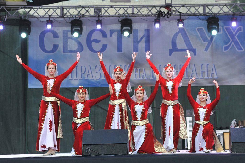 Арменските танцьори | снимка: Цветомир Цветков